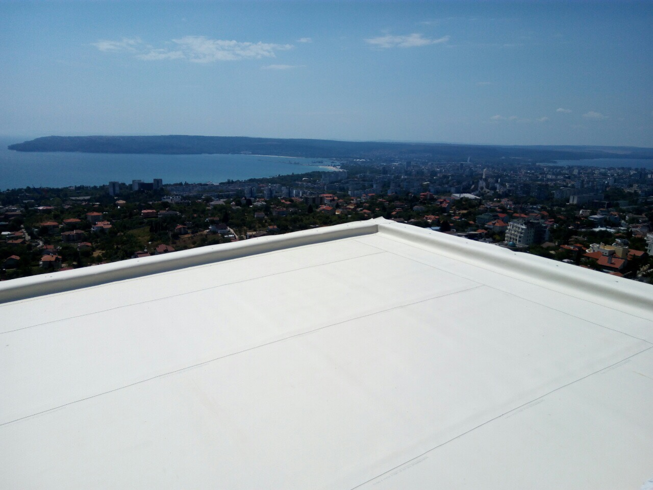 Flat Roof Bridges : Millennium foamable adhesive for flat roofs and surfaces